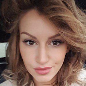 Rafaella Szabo Witsel 2 of 9