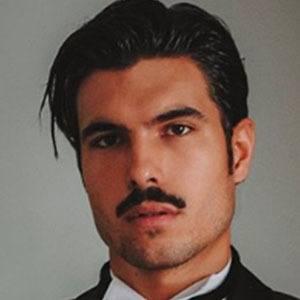 Raúl Vidal Headshot 2 of 5
