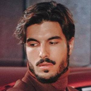 Raúl Vidal Headshot 5 of 5