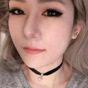 Rebecca Cho 2 of 6