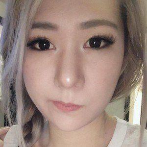 Rebecca Cho 3 of 6