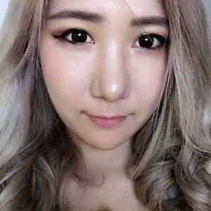 Rebecca Cho 4 of 6