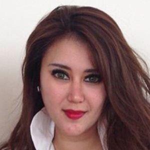 Reenee Tandjung 5 of 6