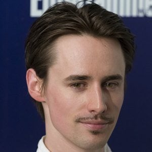 Reeve Carney 7 of 8