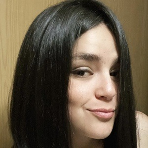 Renata Covarrubias Headshot 7 of 10