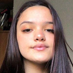 Renata Jara 2 of 5