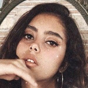 Renata Vaca 8 of 10