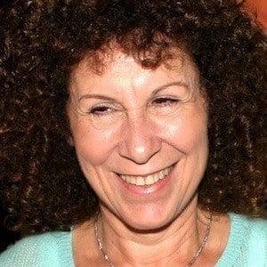 Rhea Perlman 8 of 10