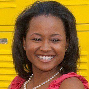Rhyon Nicole Brown 3 of 6