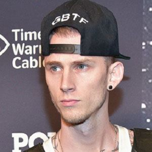 Machine Gun Kelly 2 of 10