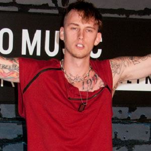 Machine Gun Kelly 4 of 10