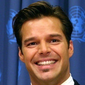 Ricky Martin 7 of 10