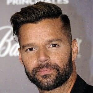 Ricky Martin 8 of 10