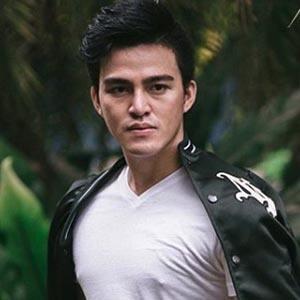 Ricky Shandy Setiawan 3 of 6