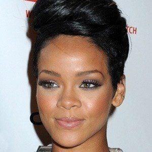 Rihanna - Bio, Facts, Family | Famous Birthdays