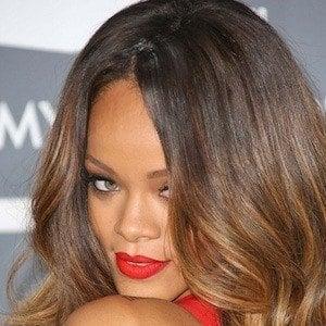 Rihanna 8 of 9