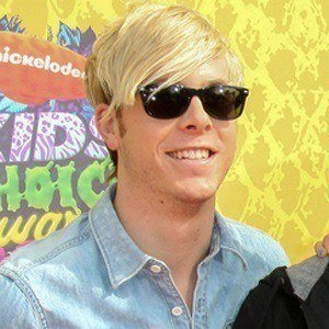 Riker Lynch 2 of 6
