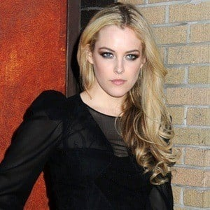Riley Keough 6 of 8