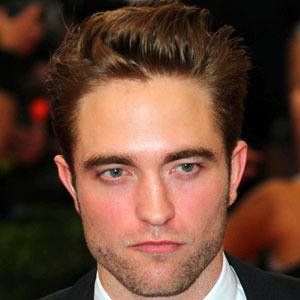 Robert Pattinson 7 of 9