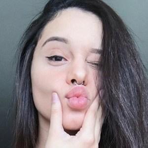 Roberta Gomes 5 of 6