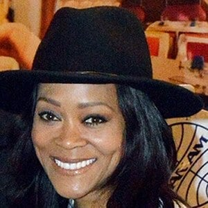 Robin Givens 4 of 5