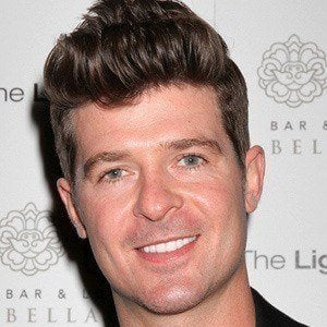 Robin Thicke 3 of 10