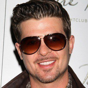 Robin Thicke 4 of 10