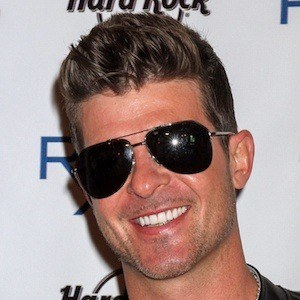 Robin Thicke 6 of 10