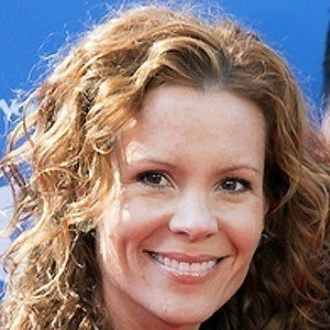 Robyn Lively 3 of 4