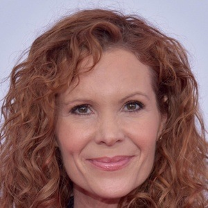 Robyn Lively 5 of 9