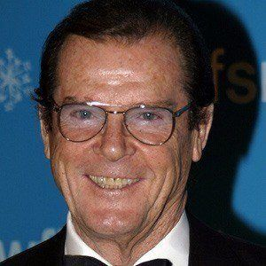 Roger Moore 4 of 8