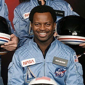 famous astronaut mcnair - photo #10