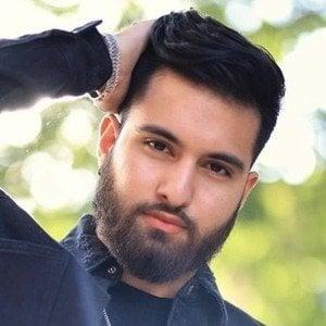 Rooh Naqvi 9 of 10
