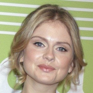 Rose McIver 7 of 8