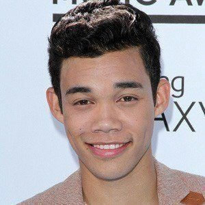 Roshon Fegan 3 of 10