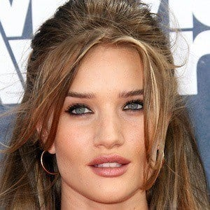 Rosie Huntington-Whiteley 2 of 10