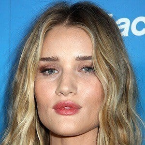 Rosie Huntington-Whiteley 5 of 10