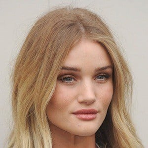 Rosie Huntington-Whiteley 8 of 10
