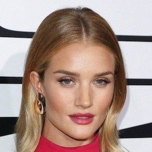Rosie Huntington-Whiteley 10 of 10