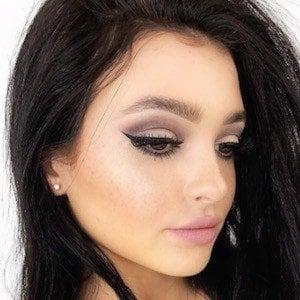 Kelsey Simone 5 of 10