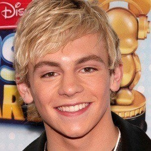 Ross Lynch 3 of 10