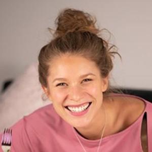 Roxana Strasser 4 of 6