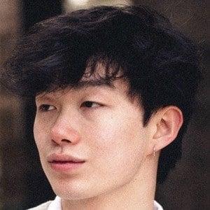 Roy Hu 3 of 4