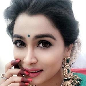 Ruchita Jadhav 3 of 5