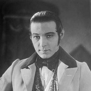 Rudolph Valentino Headshot 4 of 5