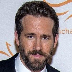 Ryan Reynolds 7 of 10