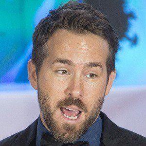 Ryan Reynolds 8 of 10
