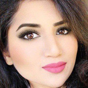 Saba Khan 2 of 5