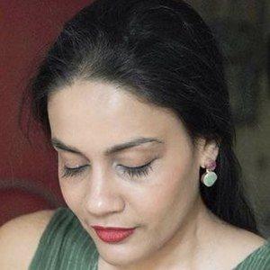 Sabeena Karnik 3 of 8