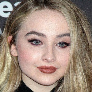 Sabrina Carpenter 7 of 9